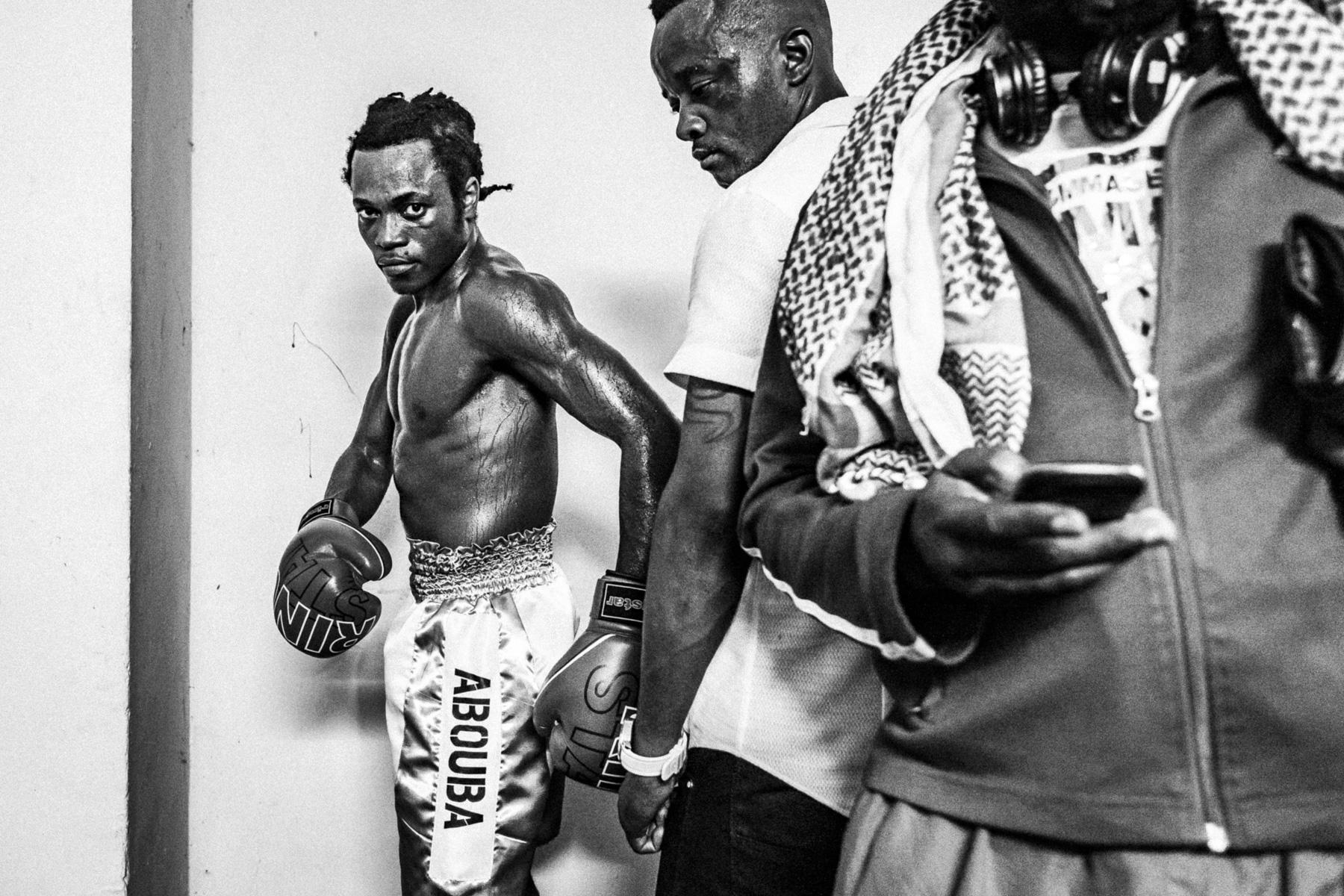 Le boxeur Abouba Kabeya, avant son combat. Kinshasa, octobre 2014.